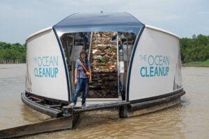 ocean-clean-up-boat